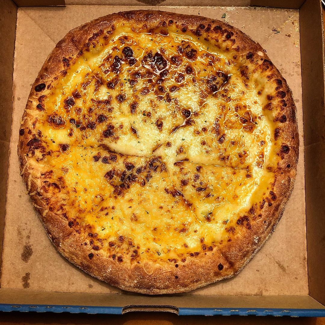 pizza extreme cheese