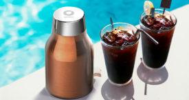 Koffiezetten bij het zwembad