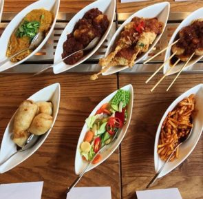 rijsttafel indonesisch restaurant blauw
