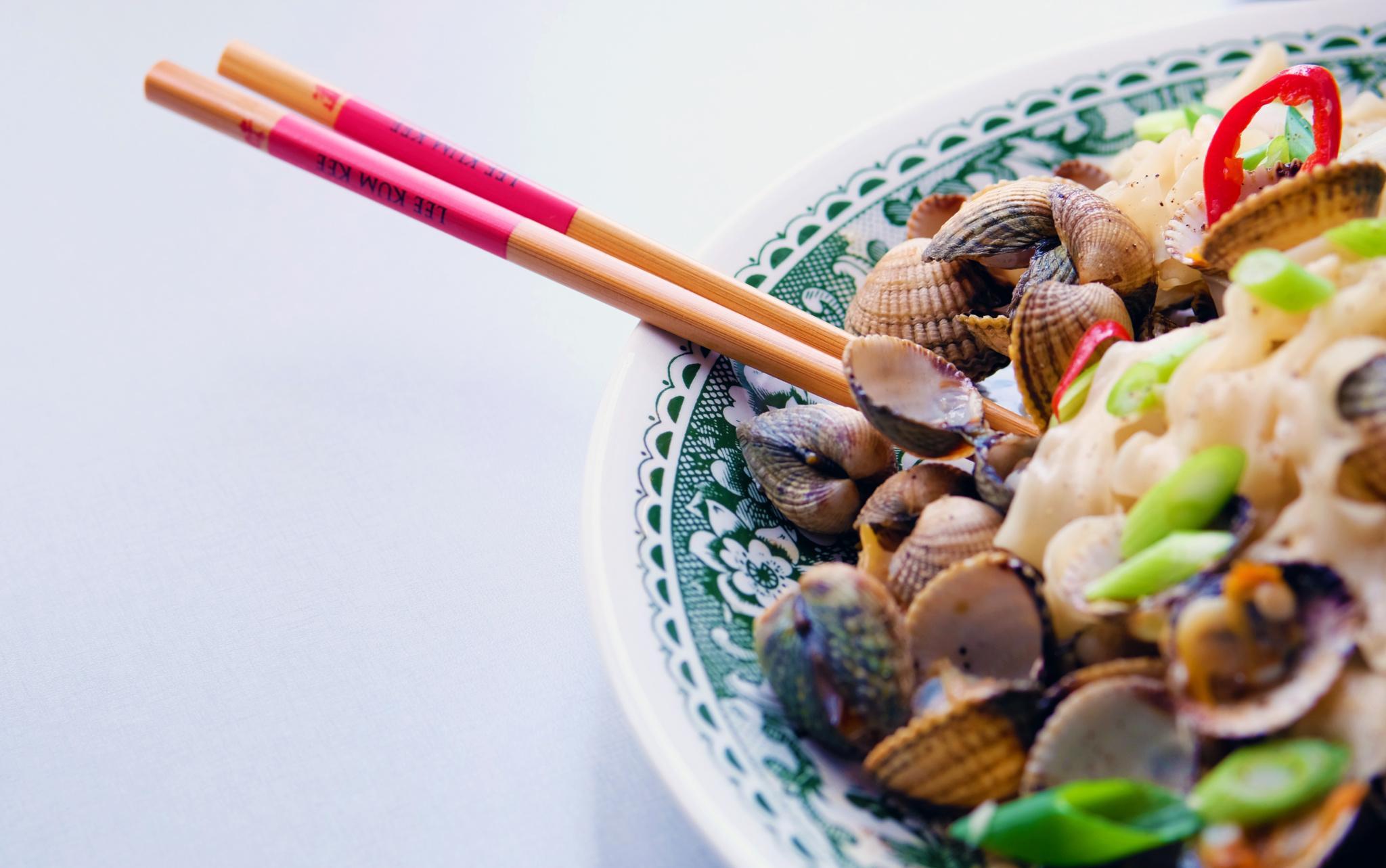 Aziatische kokkels met Lee Kum Kee oestersaus