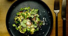 Aardappelsalade met wilde kruiden