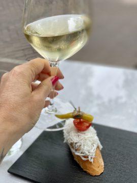 Pinxtos en wijn bij SAGARDI