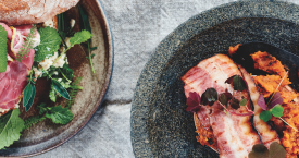 Broodje pastrami met ras el hanout, couscous en Amstel-kruiden