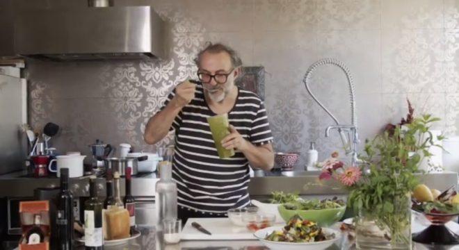 Massimo Bottura proeft pesto