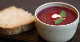 Koude bloody beetroot soep