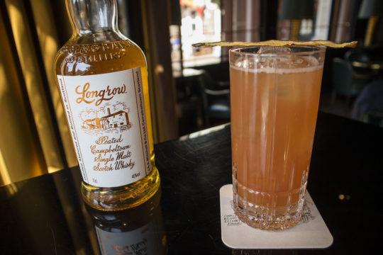 cocktail freddy's bar