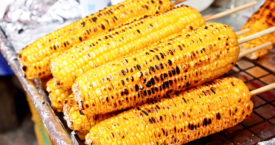 Makkelijk mais van de kolf halen