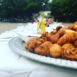 Het ontbijtfeest op het Amstelveld in Amsterdam