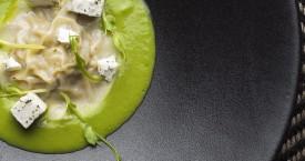 Konijnravioli met erwtensaus & fetakaas