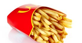Kanye West schrijft gedicht over friet McDonald's