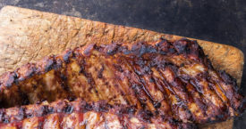 Vlees van de houtskoolgrill