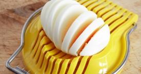 Knoflook snijden met een eiersnijder, who knew?