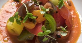 Tomatensalade op pittige tomatensaus