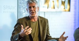 Anthony Bourdain gaat online