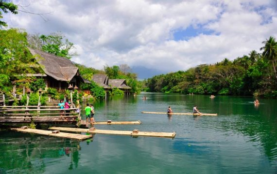 villa-escudero-bamboo-rafting